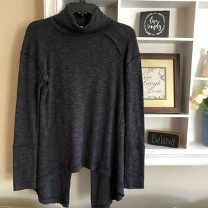 We The Free split back gray sweater, size S